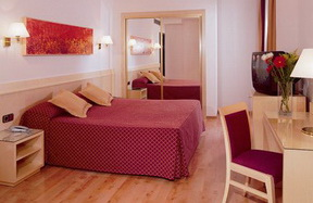 Click here for tested budget Rome hotels