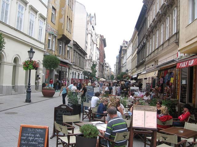 Center Line Mi >> Váci Street - Practical information, photos and videos ...