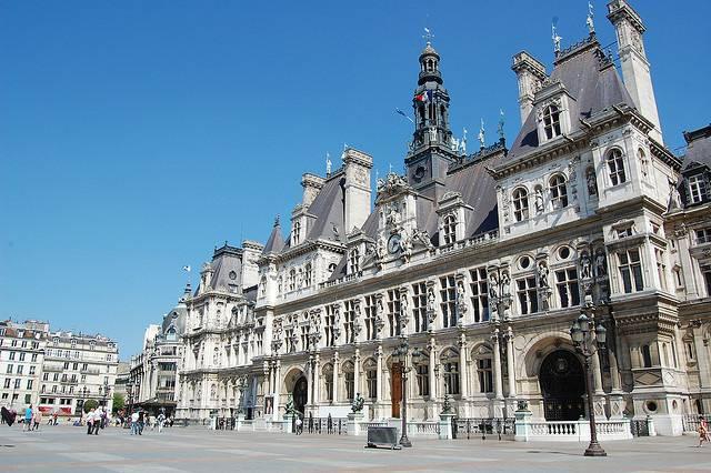 Hotel de ville practical information photos and videos for Hotel deville paris